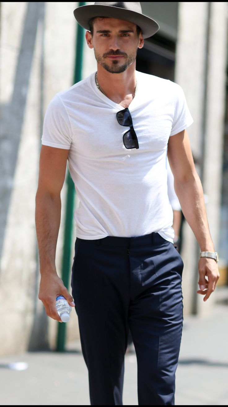 White t shirt fashion tips - This Is How You Wear A White T Shirt