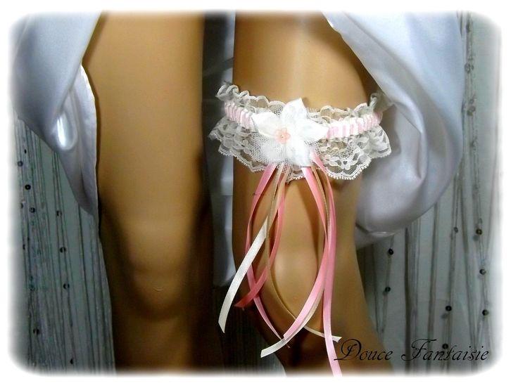 Jarretière de mariée ivoire rose dentelle satin tulle mariage accessoire mariée fait main : Autres accessoires par douce-fantaisie