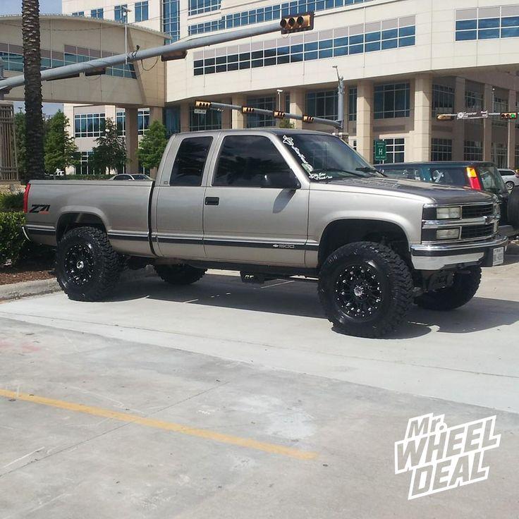17×9 XD Series 795 Gloss Black Wheels on a 1998 Chevy Silverado 1500