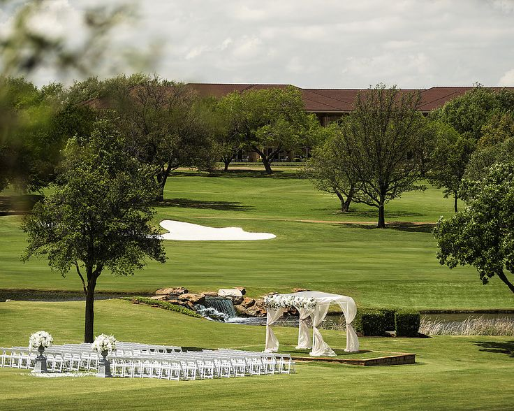 Outdoor Wedding Ceremony On The Event Lawn At Four Seasons Dallas | Bella  Flora Of Dallas