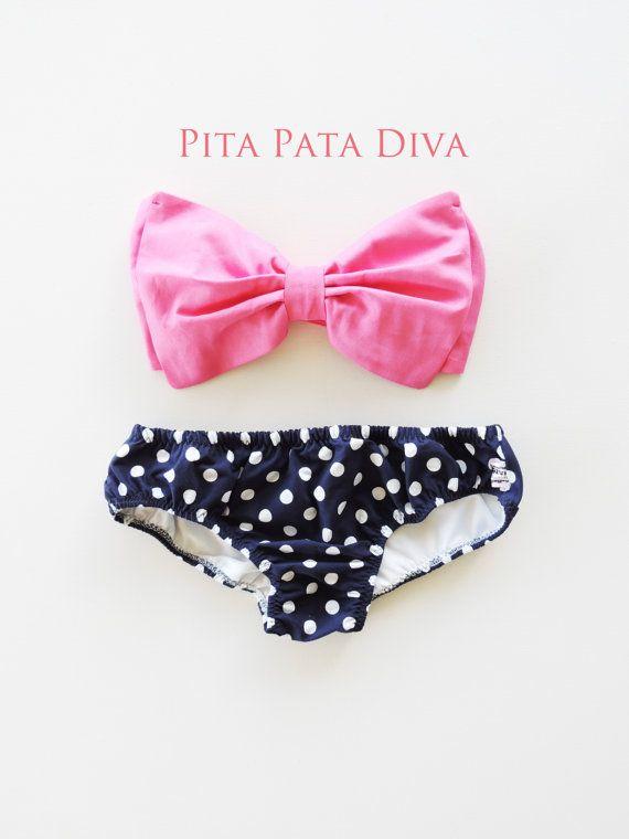 Bubble Gum Pink Bow Bandeau Bikini Style Top Navy por PitaPataDiVa