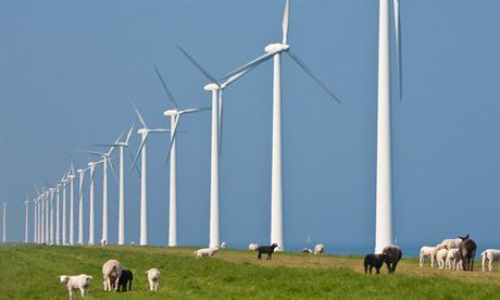 Provincie Zuid-Holland: Provincie scherp op tijdig realiseren windenergieprojecten. In Zuid-Holland moet eind 2020 735,5 MW windenergie gerealiseerd zijn. Volgens de huidige planning zal 400 MW hiervan in het laatste jaar (2020) gerealiseerd worden en van 200 MW schatten Gedeputeerde Staten in dat er risico is op vertraging.