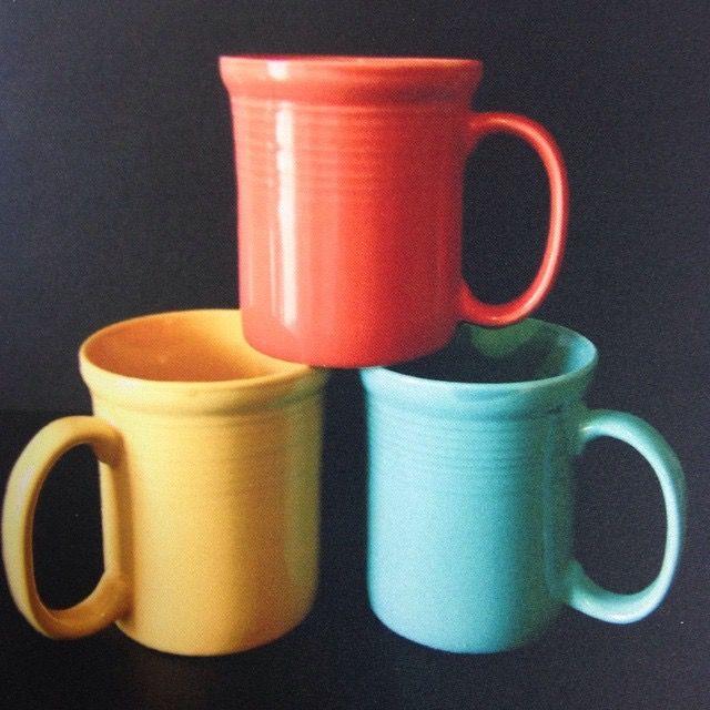 Яркие кофейные кружки