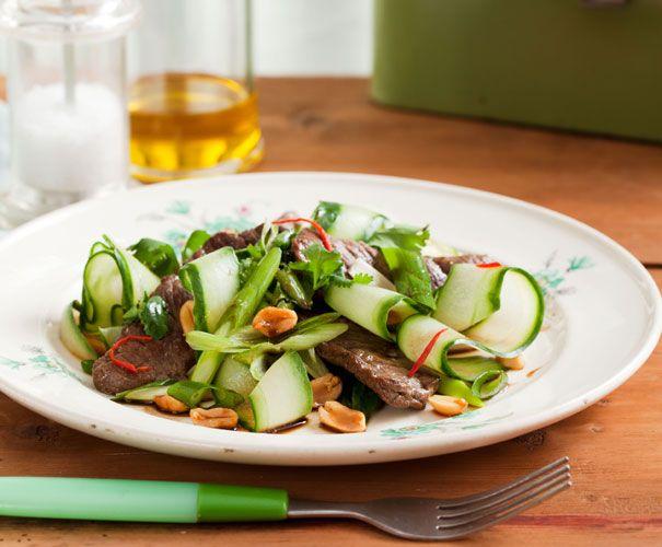 Recept: Thaise biefsalade | Gezond Eten Magazine