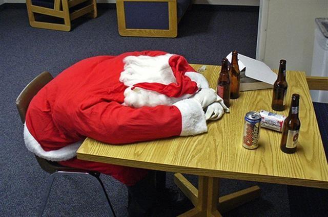 Horribly Drunk Santas #Fail #Funny