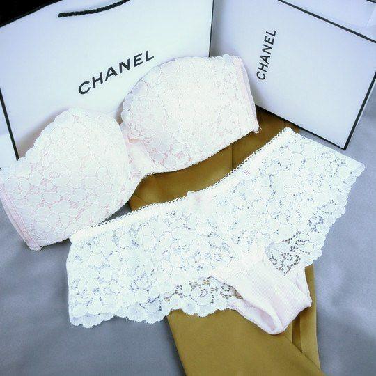 que tal uma lingerie Chanel para lua de mel? ❤