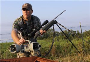 Predator hunting setting up the FOXPRO Shockwave electronic game caller