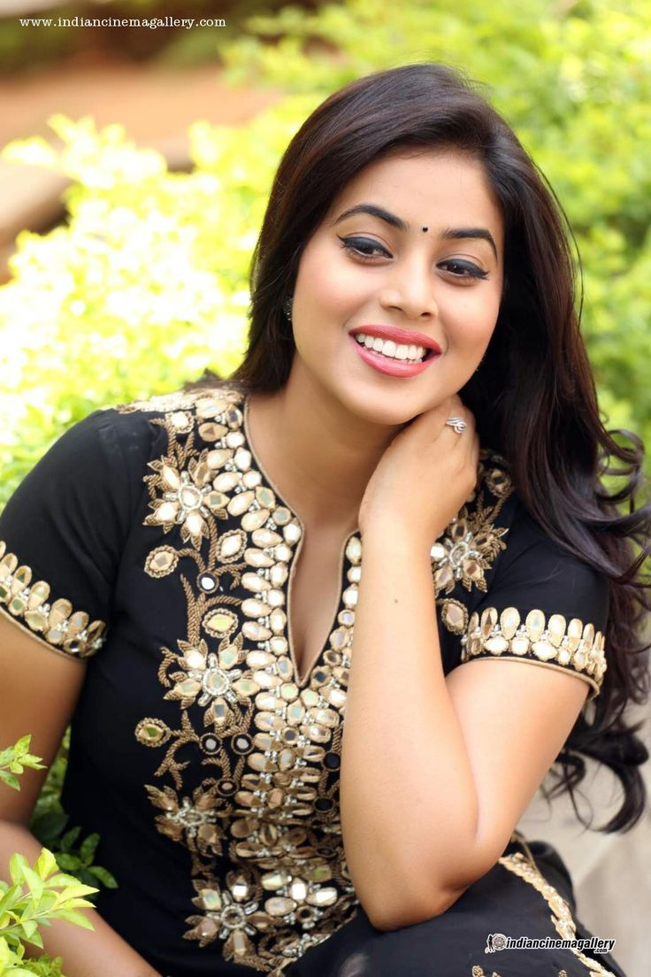 Poorna-aka-Shamna-Kasim-during-Rajugari-Gadi-Success-Meet-(1)6697.JPG (999×1499)