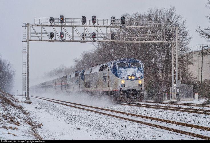 Photo AMTK 205 Amtrak GE P42DC at