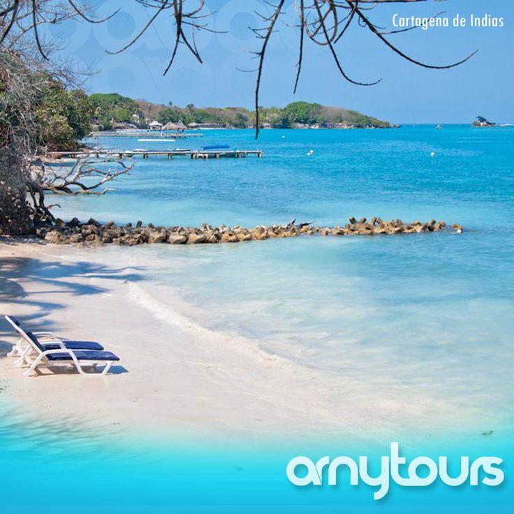 Para disfrutar el sol, playa, brisa y mar, Cartagena de Indias le ofrece sus Islas y Playas, dentro del ambiente tropical de la ciudad o alejado de la civilización y del ruido.