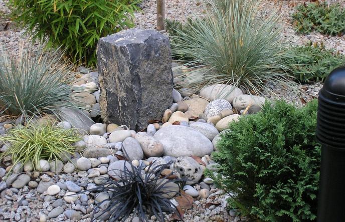 rock garden planting: Gardens Gardens, Gardens Landscape, Gardens Projects, Gardens Ideas Tips, Landscape Ideas, Gardens Outdoor, Chubb Gardens, Owens Chubb, Gardens Plants