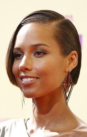 Resultados de la Búsqueda de imágenes de Google de http://hairstyle-beauty.com/wp-content/uploads/2012/09/alicia-keys-sad.jpg