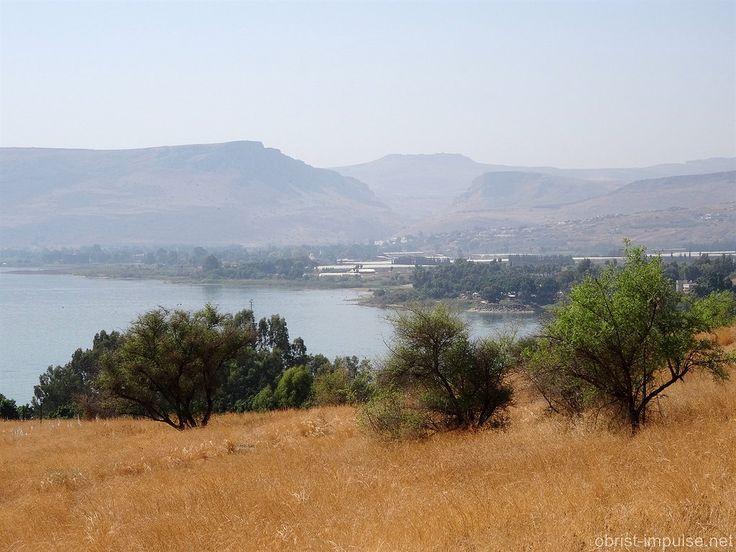 https://flic.kr/p/AEgaVx | See Genezareth vom Berg der Seeligpreisung mit Berg Arbel in Israel