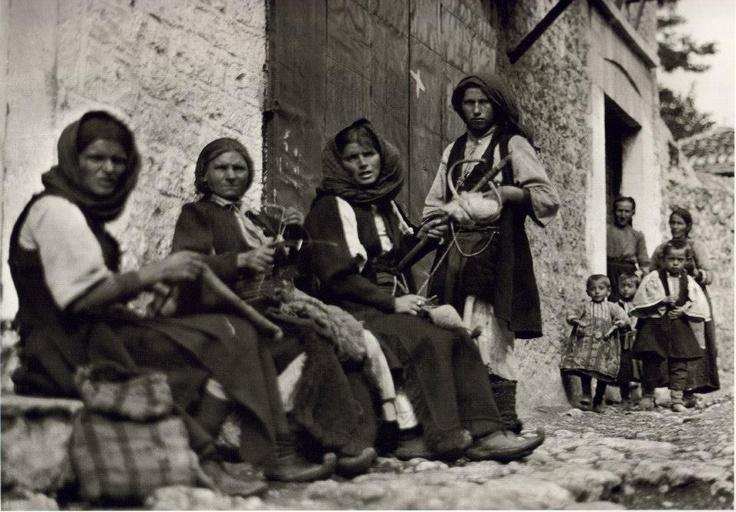 Frédéric Boissonnas (né le 18 juin 1858 à Genève ; mort le 17 octobre 1946 dans cette même ville): Paramythia Epirus Greece on 1913