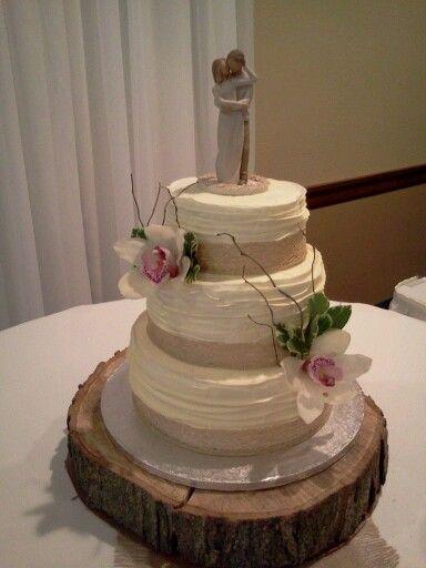 Textured rustic wedding cake