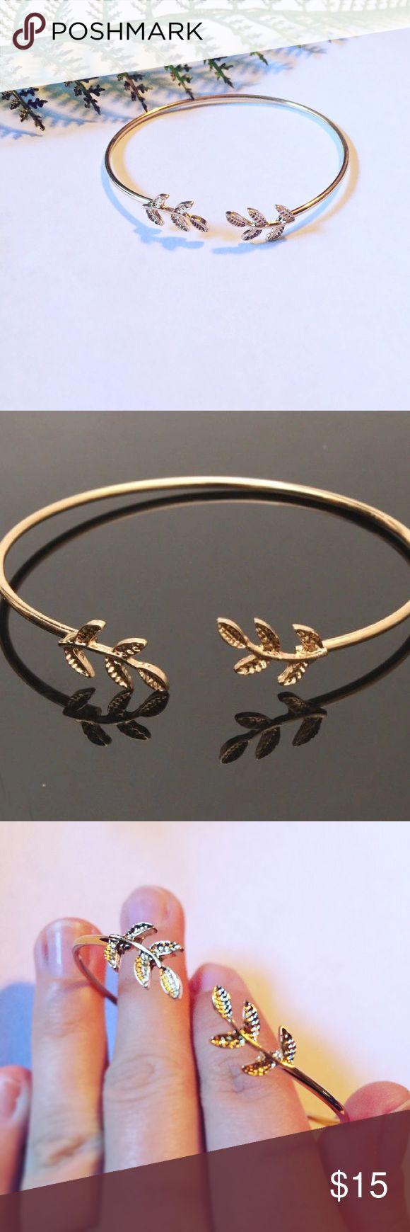 🍂Leaf🍂 Gold Plated Bangle 14k gold plated leaf bangle bracelet Pineapple.PalmBeach Jewelry Bracelets