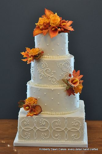 This would look great with the leaf detailing from our wedding invitation as a 3 layer cake. Love the flowers!