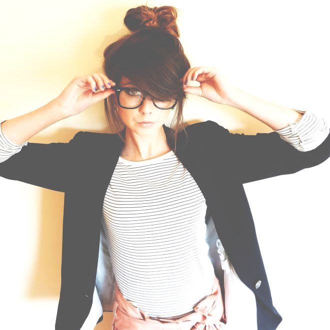 17 Best Ideas About Bangs And Glasses On Pinterest Side Fringe Side Fringe Long Hair And Long