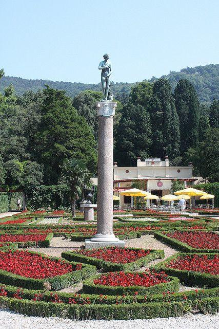 il giardino del Castello di Miramare a Trieste (Italia)