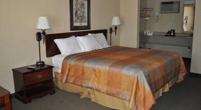 Super 8 Corning - 2 Star #Motels - $80 - #Hotels #UnitedStatesofAmerica #Corning http://www.justigo.eu/hotels/united-states-of-america/corning/super-8-corning-ca_89735.html