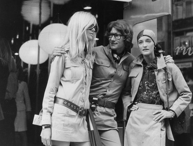1969 - Yves Saint Laurent avec Betty Catroux et Loulou de la Falaise http://www.vogue.fr/thevoguelist/yves-saint-laurent/223