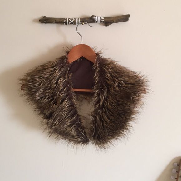 Faux fur accessories Faux fur, has eyelets to attach to a sweater if wanted Nasty Gal Accessories