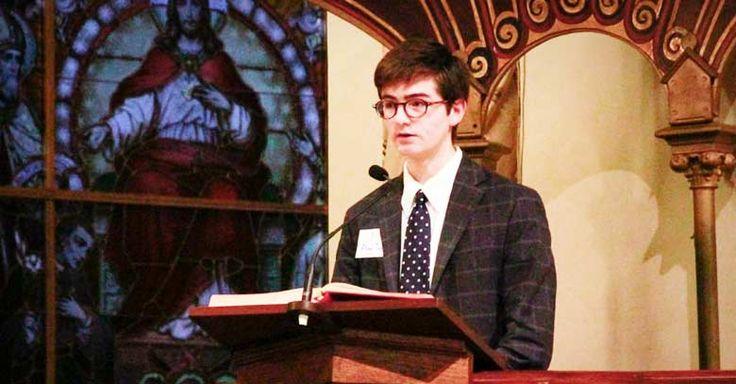 Leer en misa es un honor, no un derecho. Es un servicio en pro de la asamblea litúrgica, que no puede ser ejercido sin el debido respeto