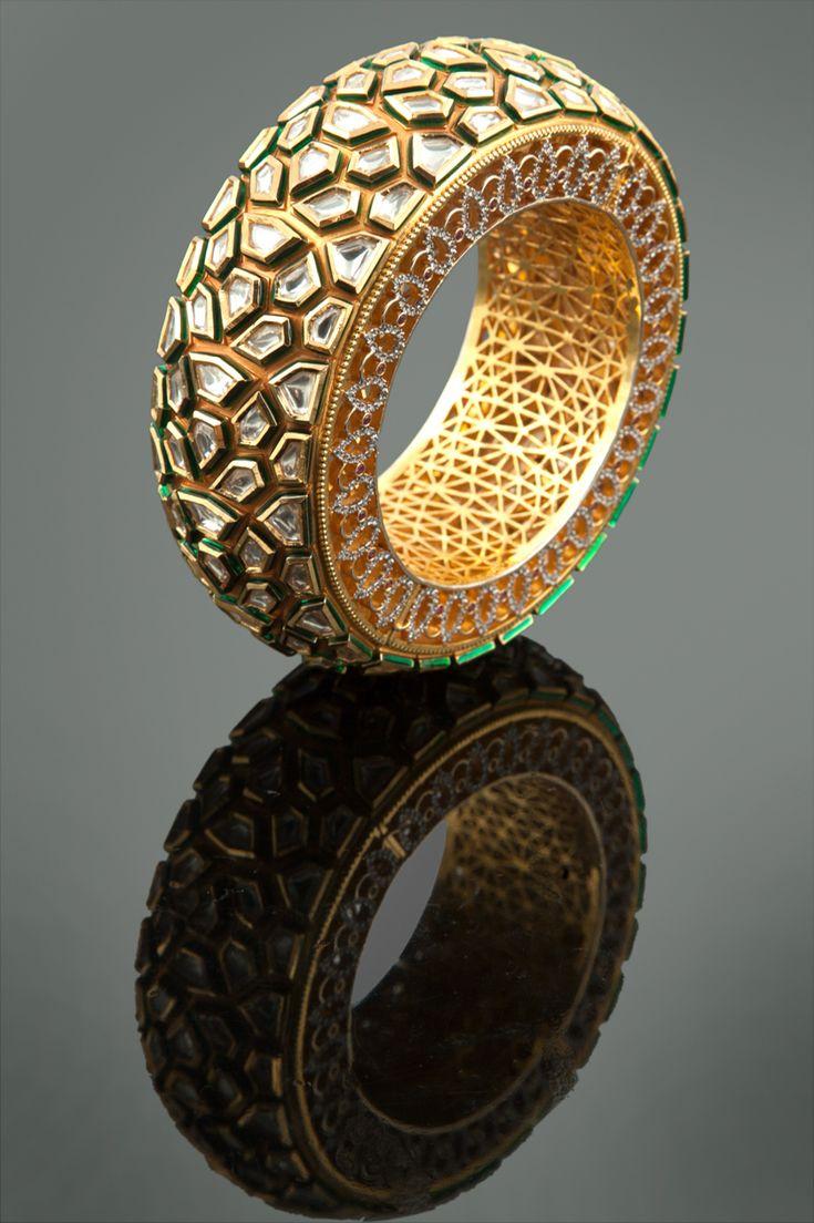 Vilandi with american diamonds in gold plating