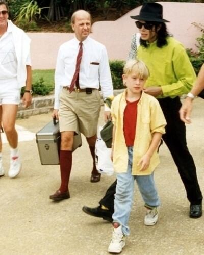 Michael Jackson and Macaulay Culkin :) He always loved babies and all children of the world ღ by ⊰@carlamartinsmj⊱