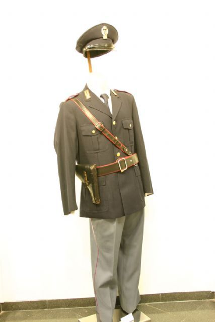Vestuario policias.