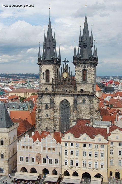 La Iglesia de Nuestra Señora de #Tyn, bella majestuosidad en la ciudad de #Praga