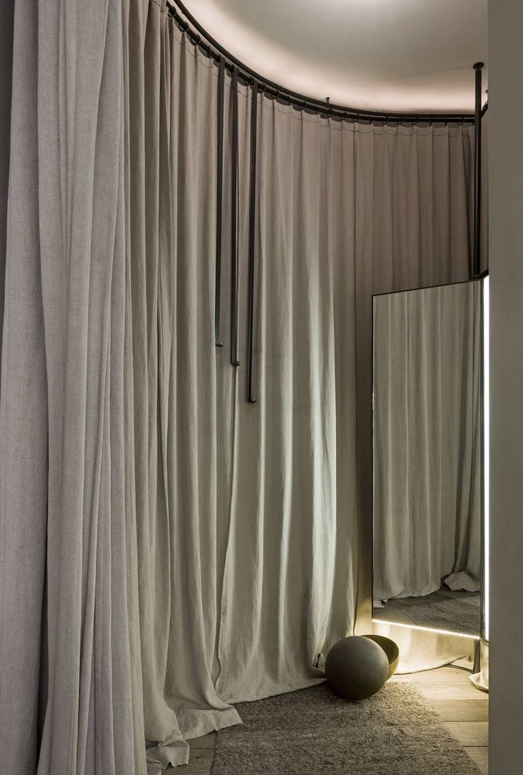 CURTAIN TEXTURE FOR BEDROOM OR WINTER CURTAINS FOR LIVING Projects - Vincent Van Duysen
