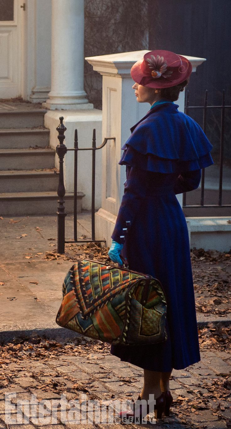 Our first look at Emily Blunt as Mary Poppins is officially here!