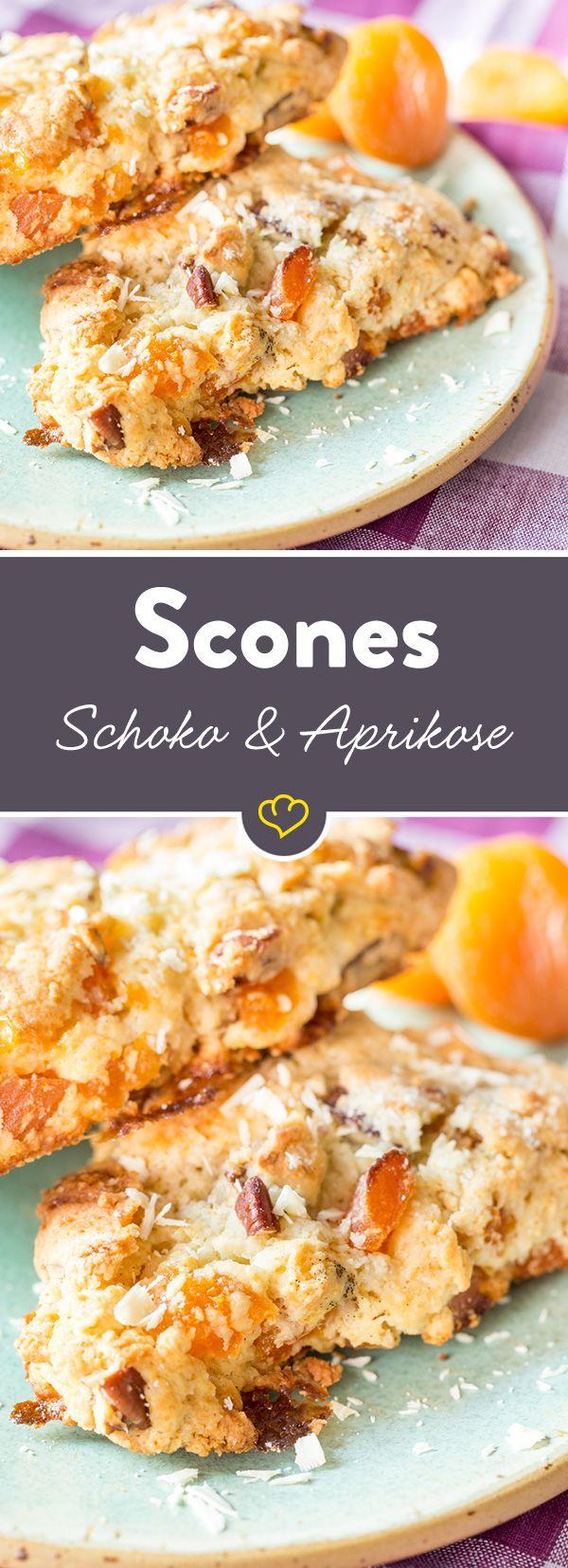 Die Kombination aus weißer Schokolade, getrockneten Aprikosen und Pekannüssen - ein Gedicht. Zu Scones gebacken und warm vernascht - ein Traum.