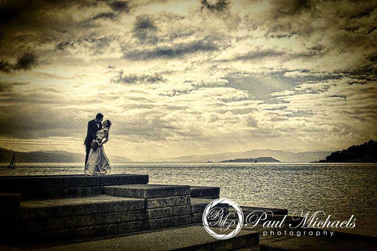 Wedding pictures at Oriental beach, wellington. New Zealand #wedding #photography. PaulMichaels of Wellington http://www.paulmichaels.co.nz/