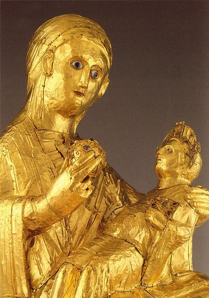 Golden Madonna of Essen (detail). Wooden core covered with sheets of thin gold leaf. Dated around the year 980. The oldest known sculpture of the Madonna, and one of the few major works of art to survive from Ottonian times. Author: 	Martin Engelbrecht.