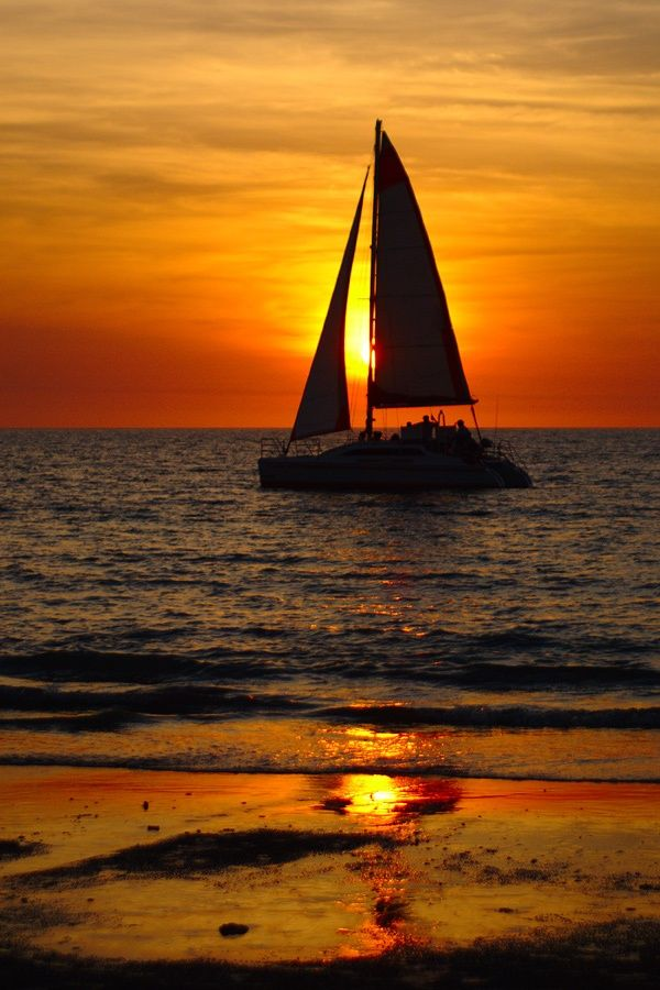 Mindil Beach sunset, Darwin, Australia! with smooth jazz playing softly? yup!