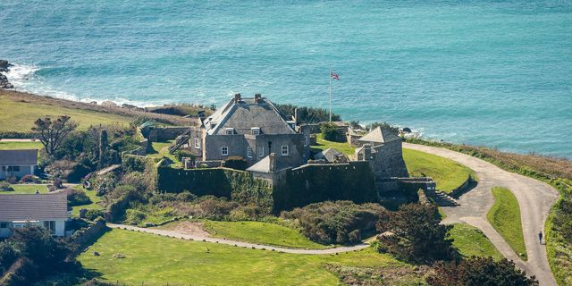 Star Castle Hotel, Isles of Scilly. #britain #summer #star #castle #shape #holiday #sun #2017 #travel #trips.   Hotel:http://bit.ly/2kHTTmd