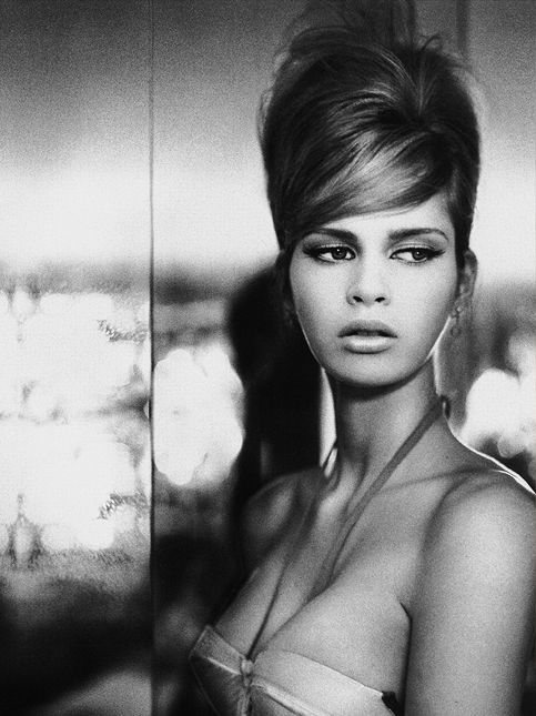 60s italian hairstyles - vintage hairstyles - red carpet hairstyles - shiny updo hairstyles - vogue - magazine - hair archives -  hair nicolas jurnjack http://instagram.com/nicolasjurnjack   http://hairblog.nicolasjurnjack.com https://www.facebook.com/Hair.Nicolas.Jurnjack photo : richard bailey http://instagram.com/hennybailey?modal=true styling : tori collison make up : kellie stratton