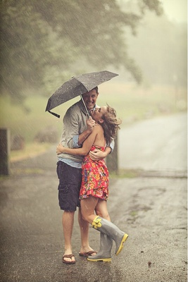 """I'm in love with this shot, especially for a spring wedding...but with the """"How I Met your Mother"""" yellow umbrella"""