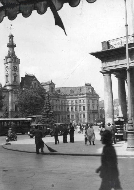 Plac Teatralny w 1932 roku.