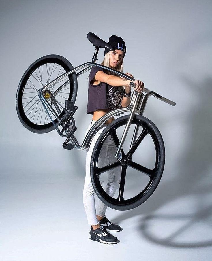 studiocw: Carry On Bike Girl  | Mädchen auf fahrrädern