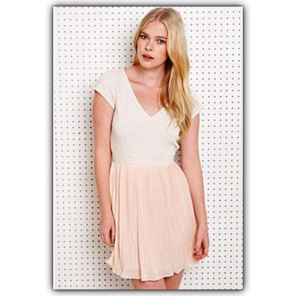 Pins & Needles vintage pleated dress large Feel free to ask any questions. Urban Outfitters Dresses