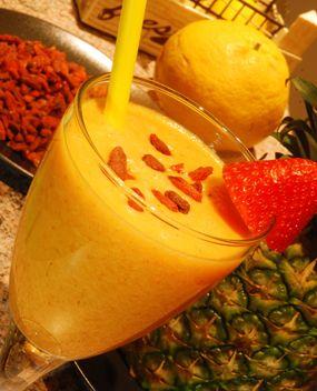 na hubnuti ananas jabko pomeranc
