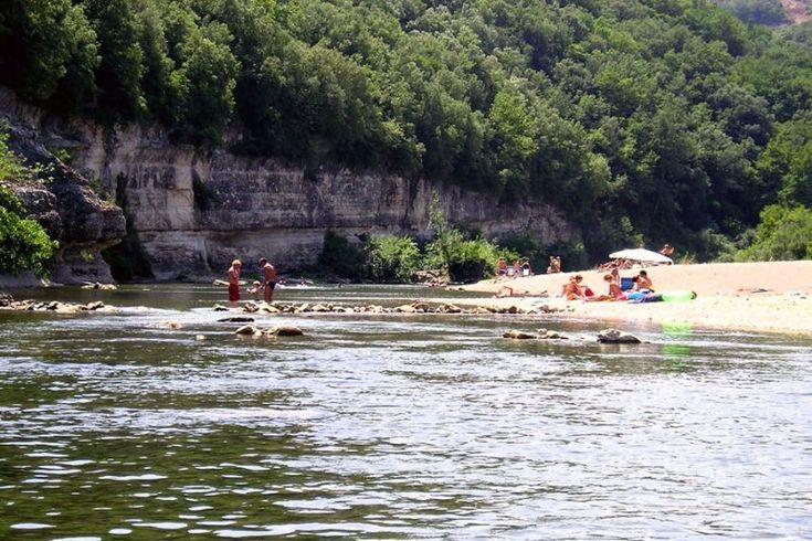 Camping Les Libellules - Natuurcamping met rivier om in te zwemmen.