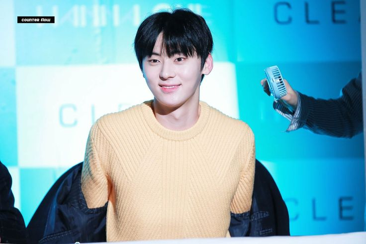 [Pic 06122017] Hwang Minhyun @Clean Perfume Fansign Event #WannaOne   Cr.on pic
