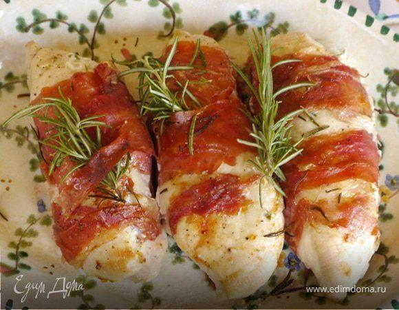 Куриные грудки, фаршированные козьим сыром и зеленью. Ингредиенты: куриные грудки, ветчина, чеснок молодой