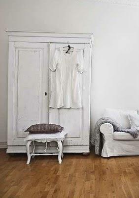 Vintage Chic: White and rustic / white and rusticTo Harness, Vintage Chic, White Obsession, Vintage Wardrobe, Jeggings Harness, Hvitt Og, Rustic White, Bilder På, It With