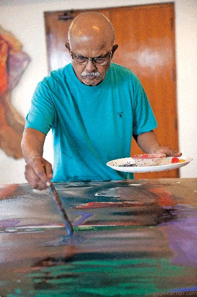 Prabhakar Kolte is an important person in Indian abstract art. Born in 1946, this Maharashtrian artist also completed his training at J. J. School of Arts. In fact, he even worked as an instructor at this school of arts for almost two decades. During his starting years, Kotle took inspiration from the works of Paul Klee, a Swiss artist, and this was evident on the canvas. His bold use of strong and bright colors created a unique signature for his paintings.