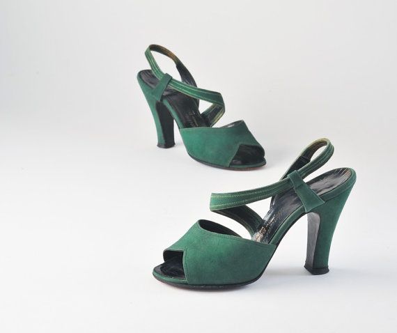 So tiny! Vintage 1940s Emerald Green Suede Shoes Strappy by missfarfalla, $95.00